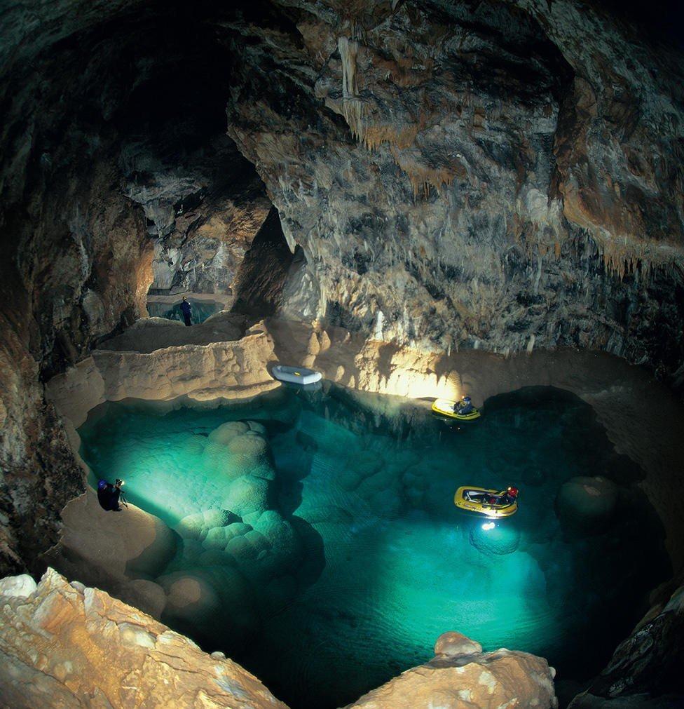 Σπήλαιο των Λιμνών: Μια εκδρομή για όλη την οικογένεια - iTravelling