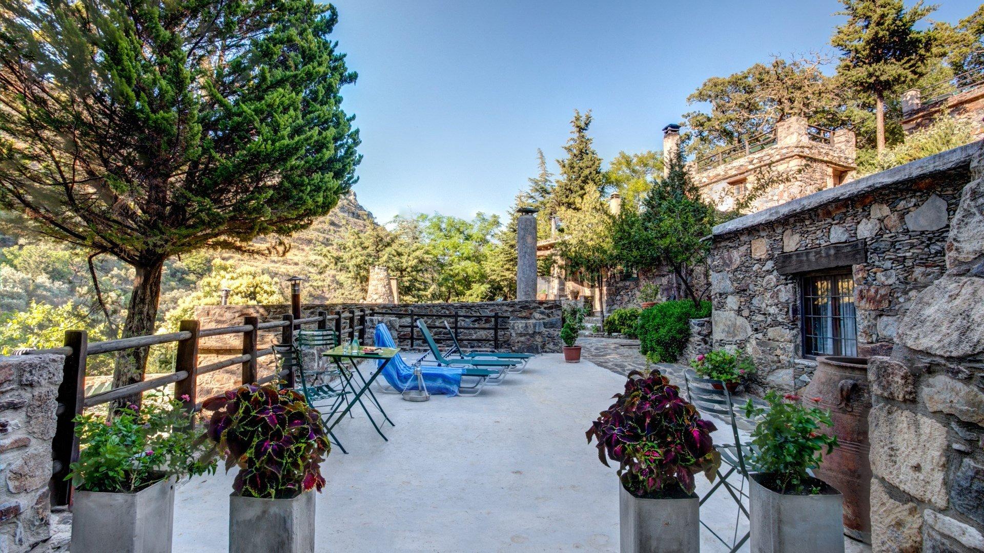 Μηλιά: Το χωριό της Κρήτης που σε ταξιδεύει πίσω στο χρόνο! - iTravelling